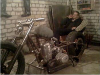 В ход идут и советсткие мотоциклы это